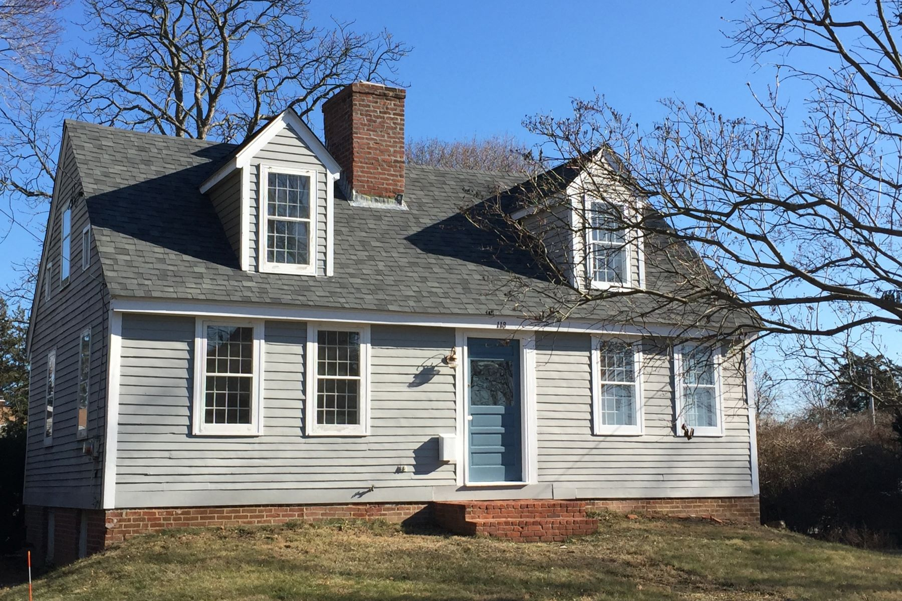 Eensgezinswoning voor Verkoop op 118 Commerce Street Clinton, Connecticut 06413 Verenigde Staten