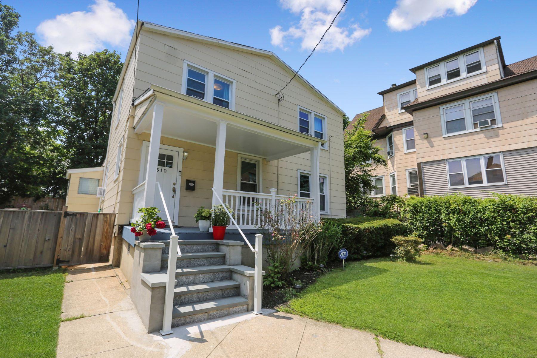 Single Family Homes för Försäljning vid Totally Renovated Home 510 South 2nd Avenue, Mount Vernon, New York 10550 Förenta staterna