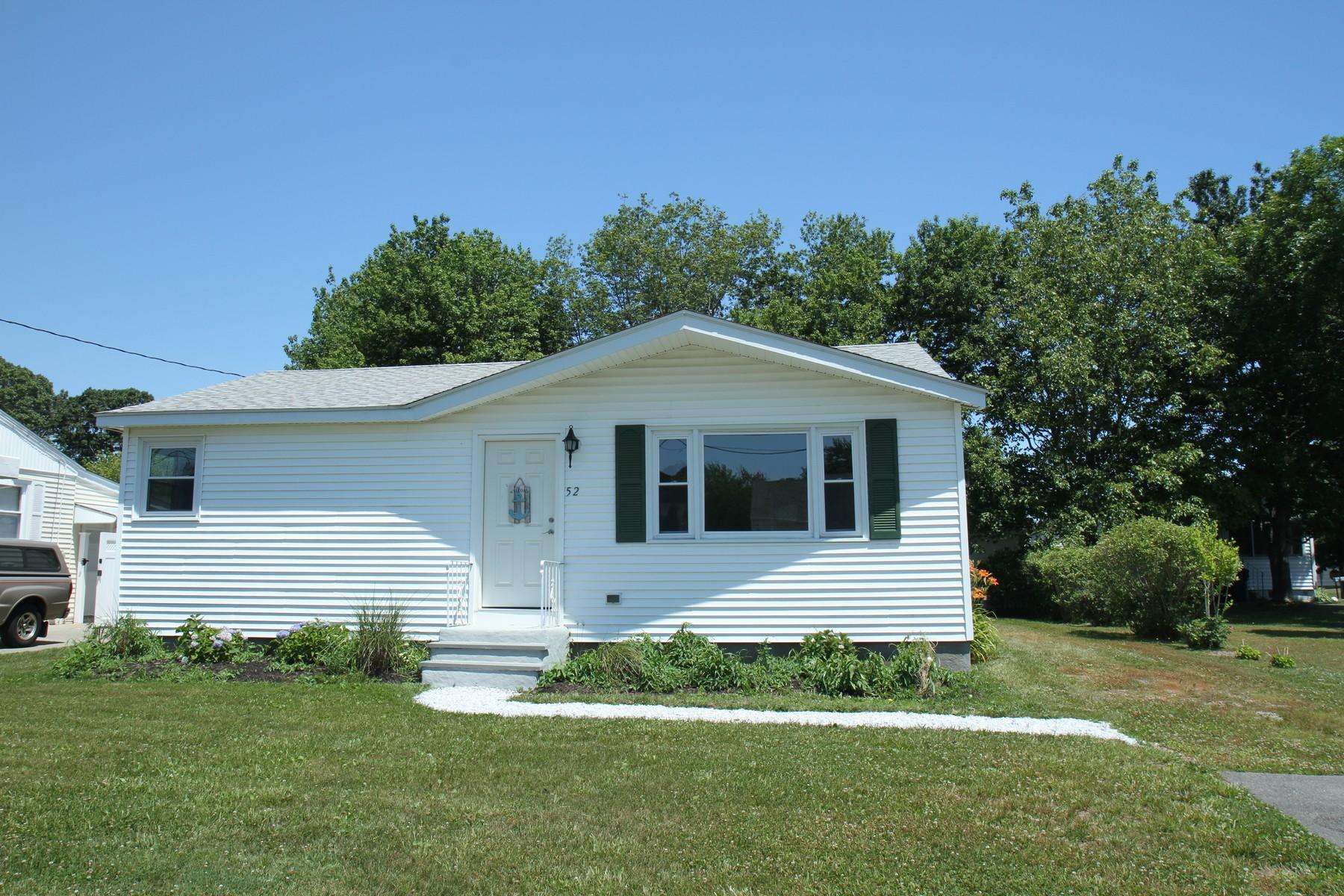 Einfamilienhaus für Verkauf beim Walk to the Beach 52 Biscayne Boulevard Old Lyme, Connecticut, 06371 Vereinigte Staaten