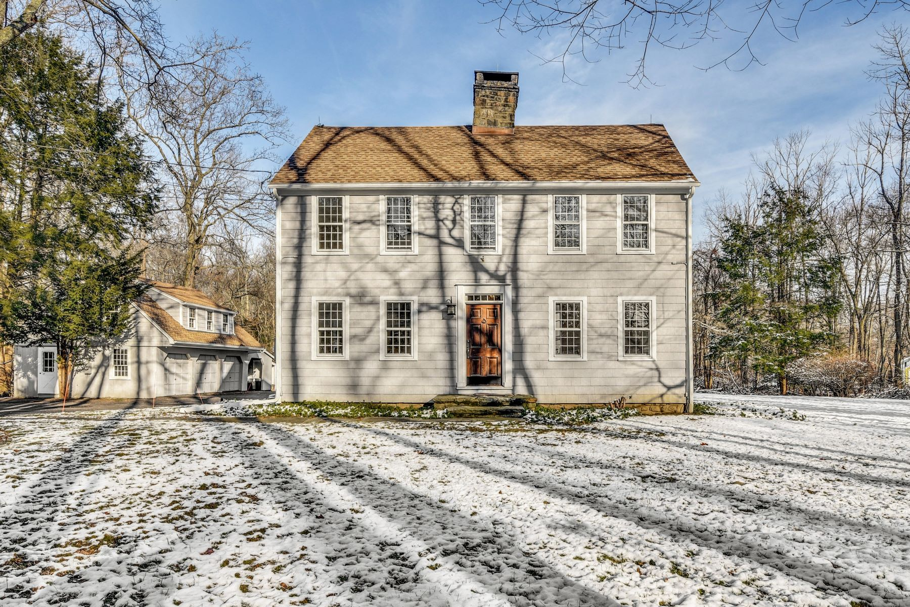 Single Family Homes for Sale at Gorgeous & Updated Classic New England Colonial 119 Weston Road, Weston, Connecticut 06883 United States
