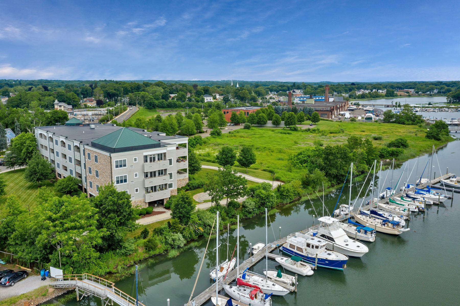 Condominiums for Sale at 60 Maple Street 34 Branford, Connecticut 06405 United States