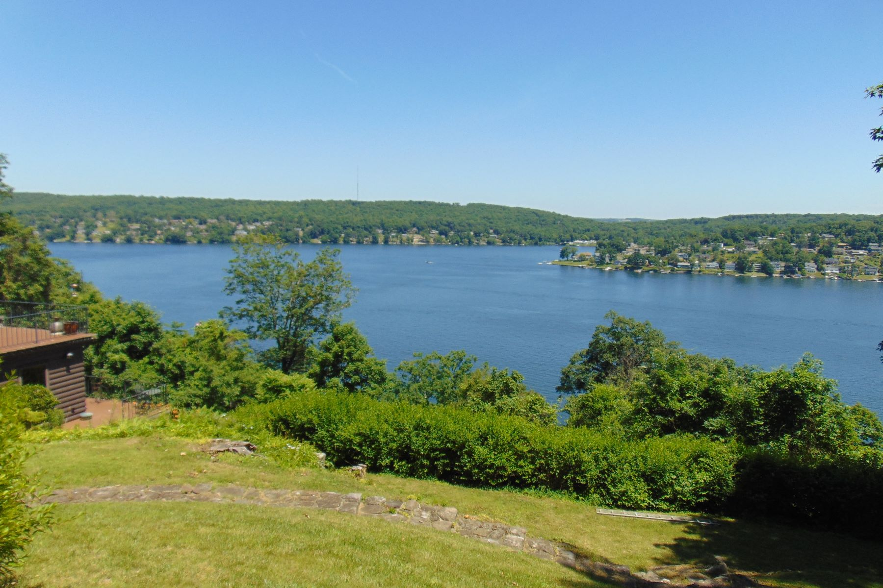 Single Family Homes للـ Sale في Spectacular Candlewood Lake Views 2 Fox Run, New Fairfield, Connecticut 06812 United States