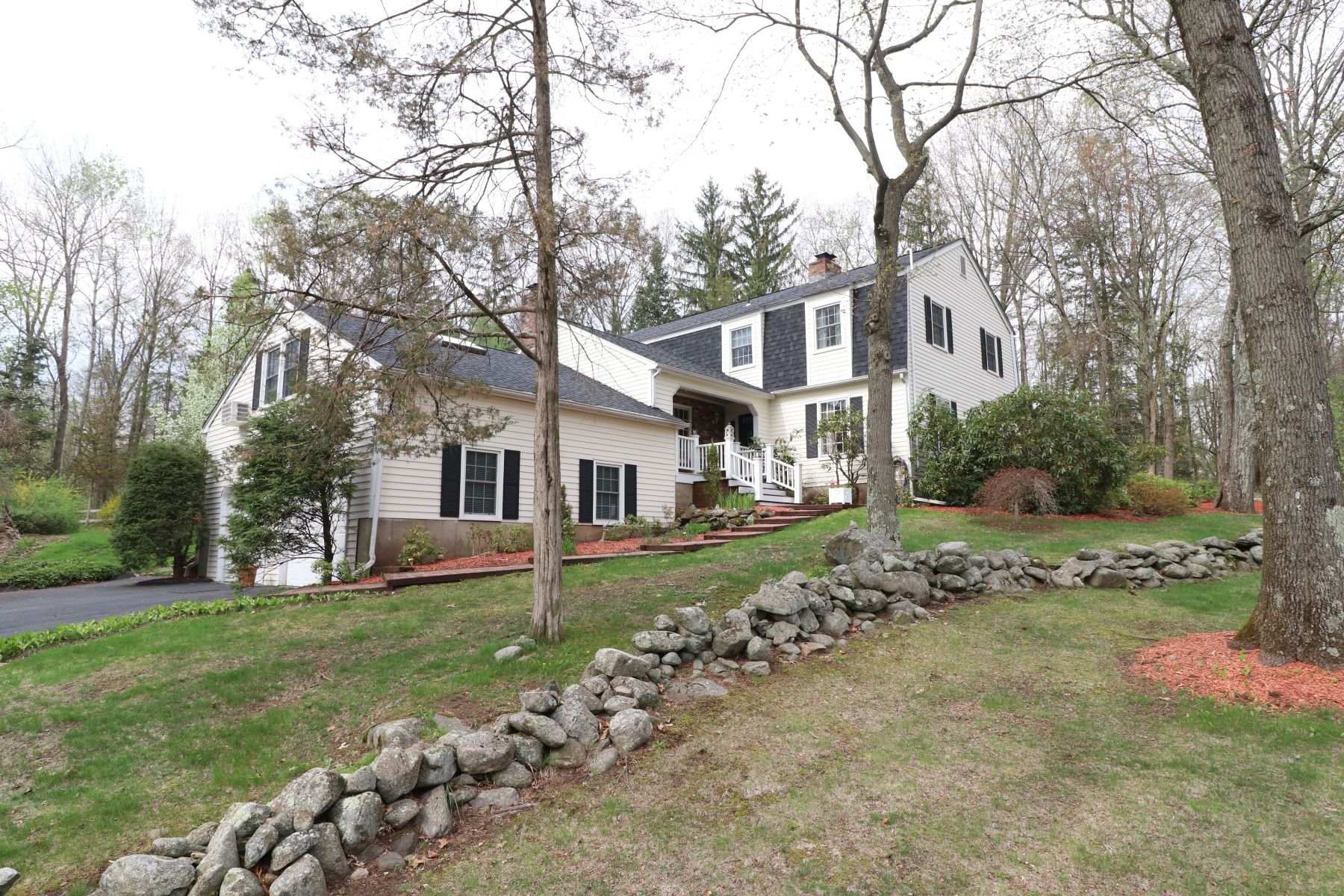 Single Family Home for Sale at Distinctive Architectural Details 6 Bonny Road Brookfield, Connecticut 06804 United States