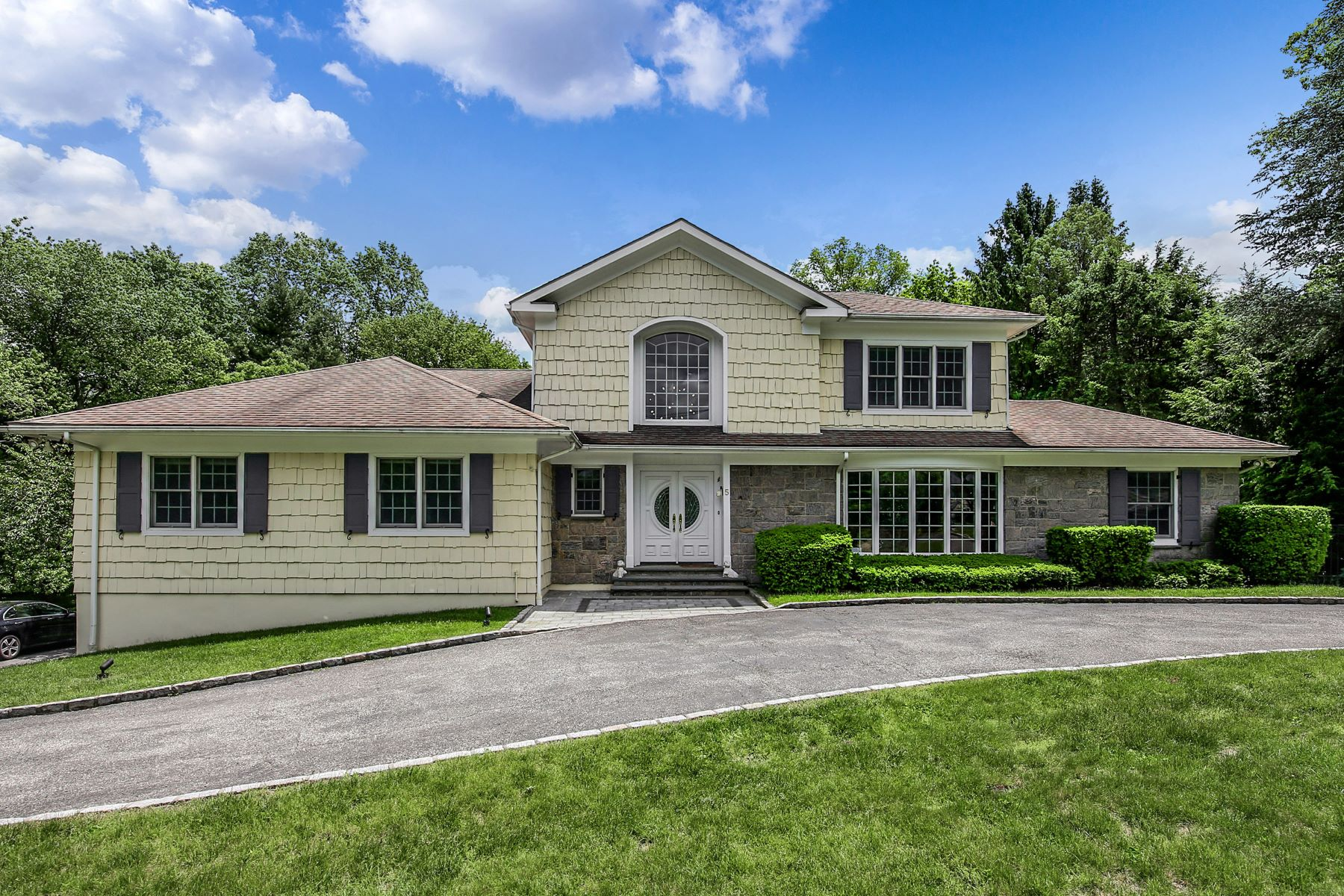 Single Family Homes for Active at 5 Sunset Lane Harrison, New York 10528 United States