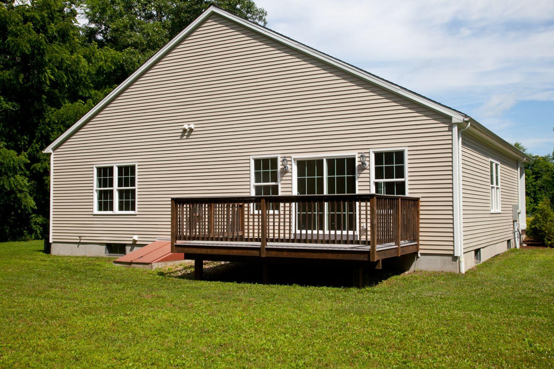 Nhà chung cư vì Bán tại Blackberry River Commons Condo The Holly 7 Housatonic Lane The Holly Canaan, Connecticut, 06018 Hoa Kỳ