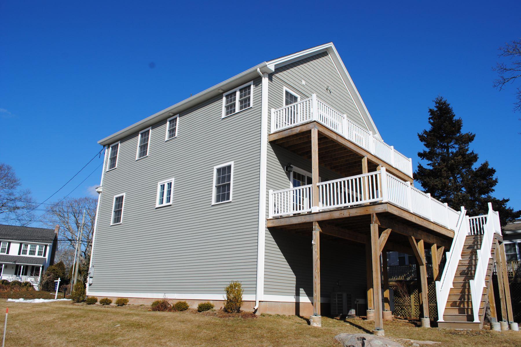 Single Family Home for Rent at 902 Shennecossett Road 902 Shennecossett Road Groton, Connecticut 06340 United States