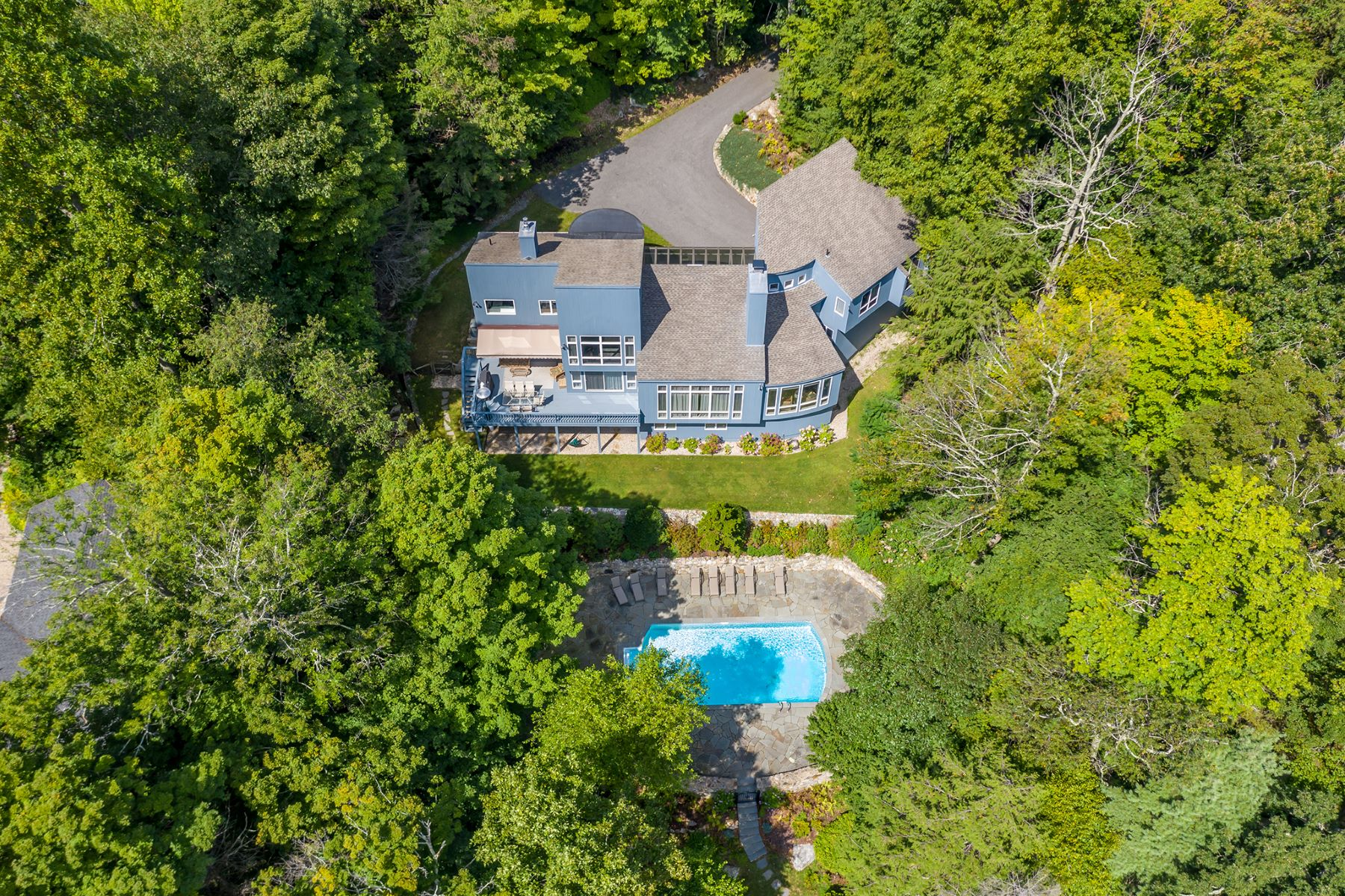 Single Family Homes for Active at ARCHITECTURAL MASTERPIECE ON WOODRIDGE LAKE 321 West Hyerdale Drive Goshen, Connecticut 06756 United States