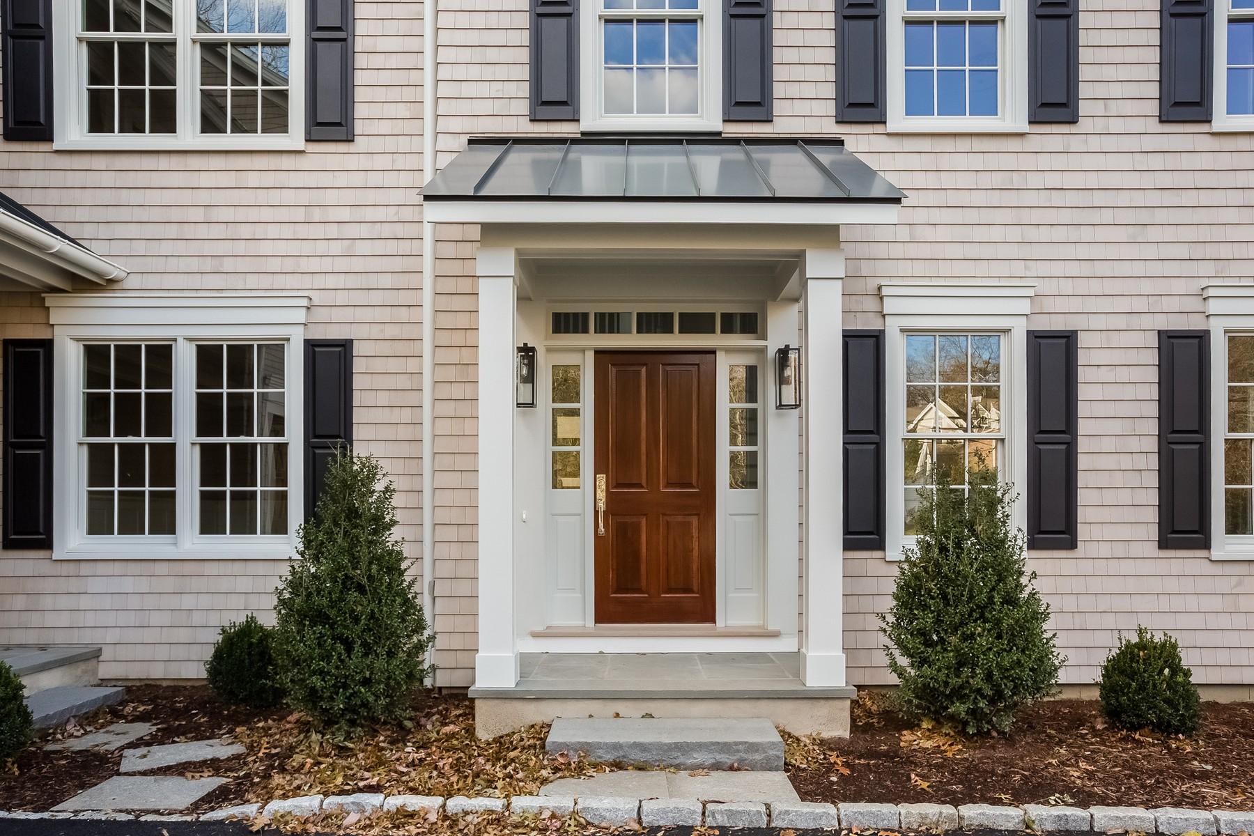 Casa para uma família para Venda às 37.5 Witch Lane 37.5 Witch Lane Norwalk, Connecticut 06853 Estados Unidos