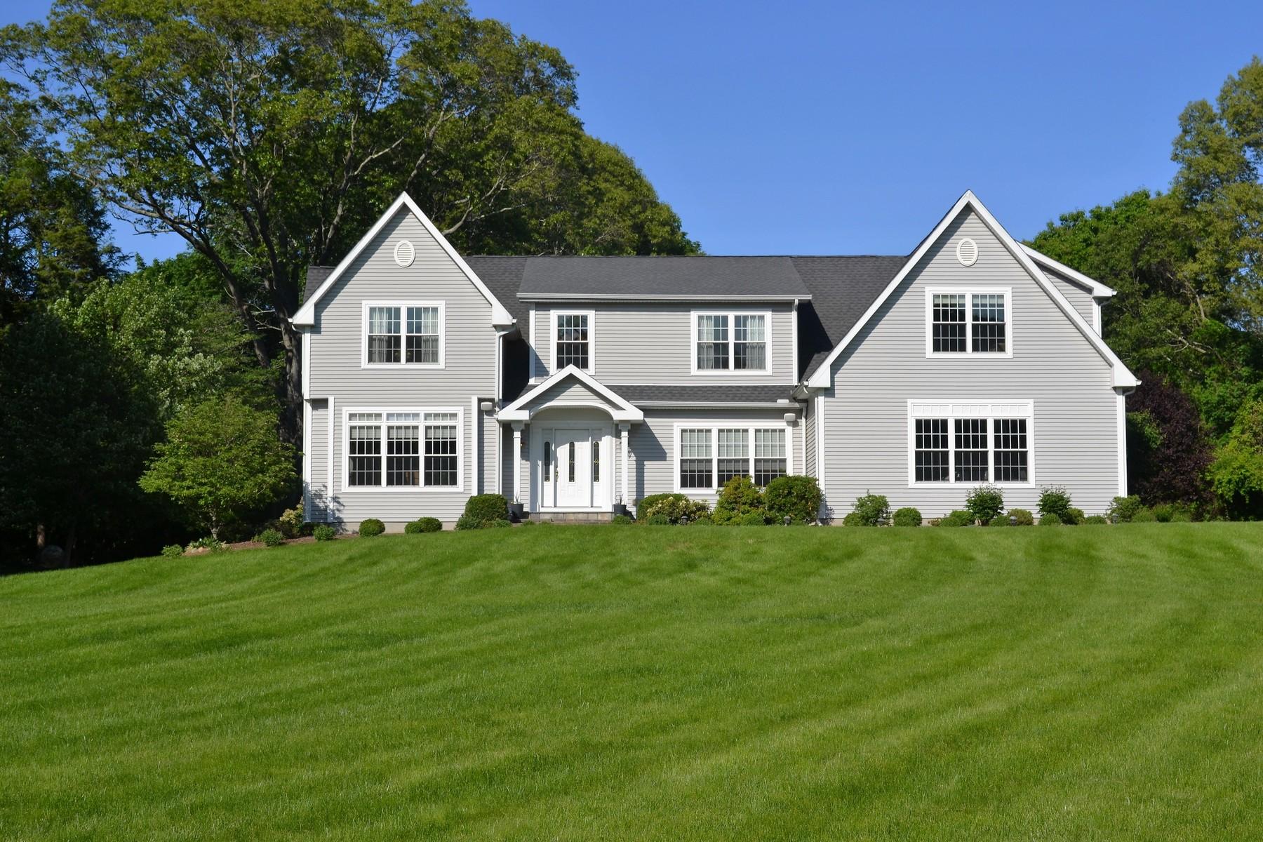 Maison unifamiliale pour l Vente à Attention To Detail Abounds 248 Middlesex Ave Chester, Connecticut, 06412 États-Unis