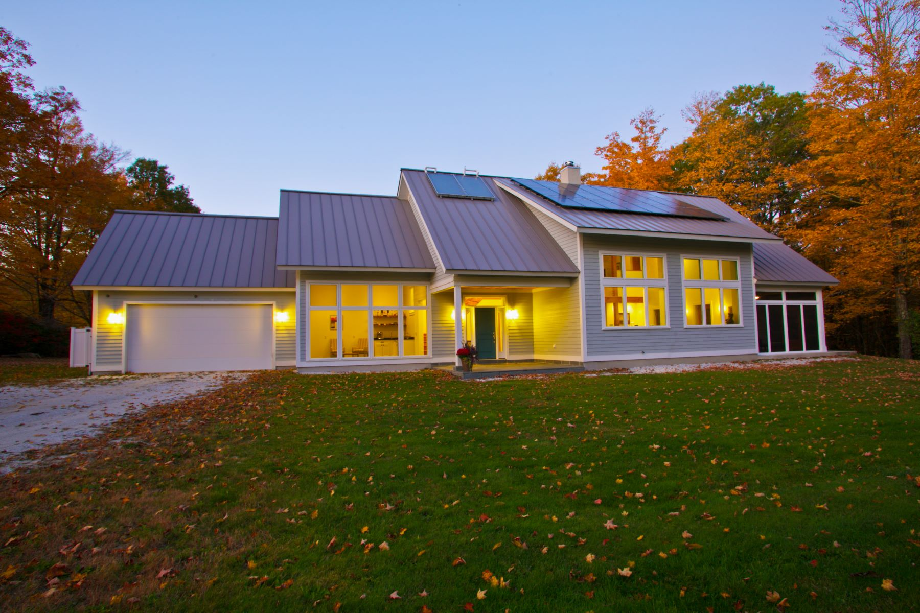 Single Family Homes 为 销售 在 Magazine Quality Certified Passive Modern Contemporary 7 New Hartford Rd Sandisfield, 马萨诸塞州 01255 美国