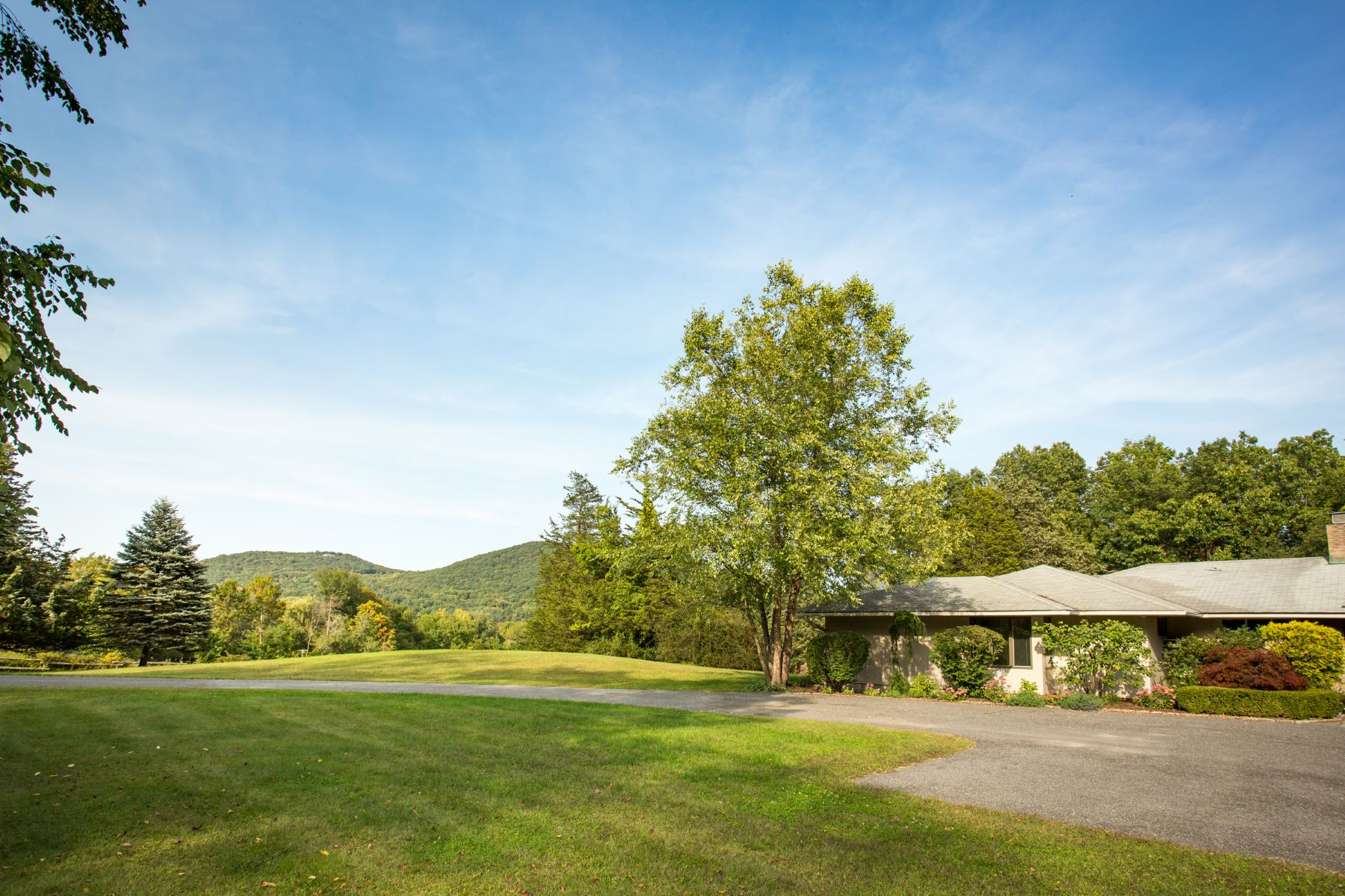 Single Family Home for Sale at Mid Century Mountainside 9 Old Stone Road, Kent, Connecticut, 06785 United States