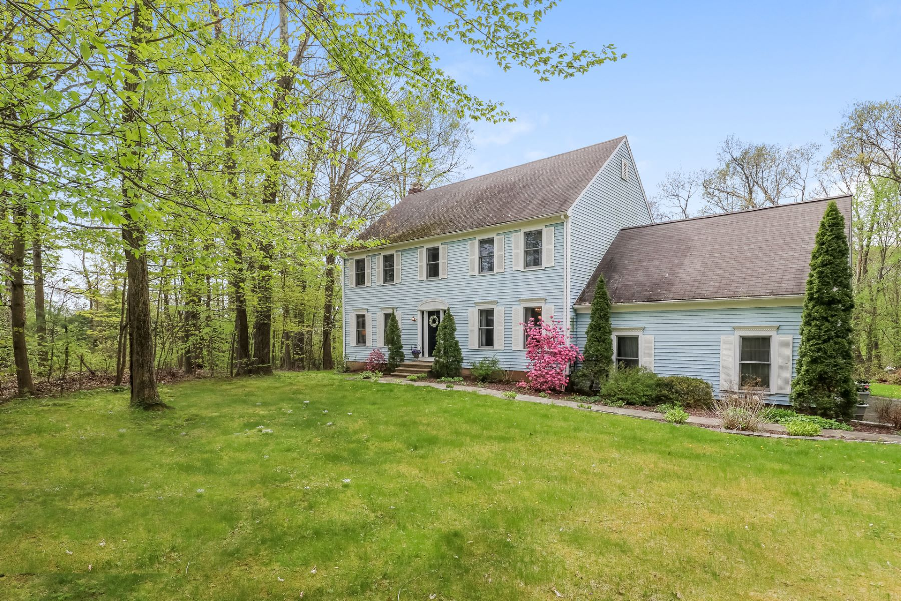 Single Family Homes for Sale at Beautifully Maintained 27 Wolfpit Rd Southbury, Connecticut 06488 United States