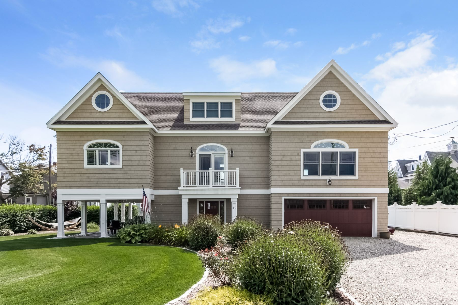Single Family Homes للـ Sale في Madison, Connecticut 06443 United States