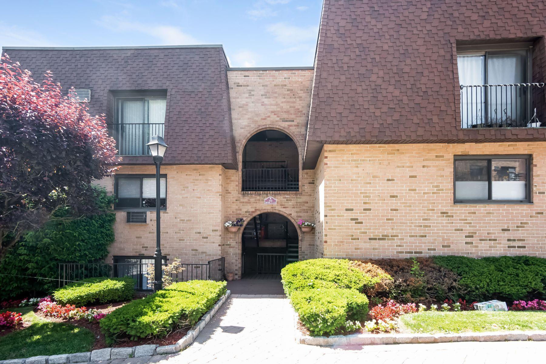 合作公寓 为 销售 在 Co-Op at Scarsdale Ridge 340 Central Park Avenue A10 斯卡斯代尔, 纽约州 10583 美国