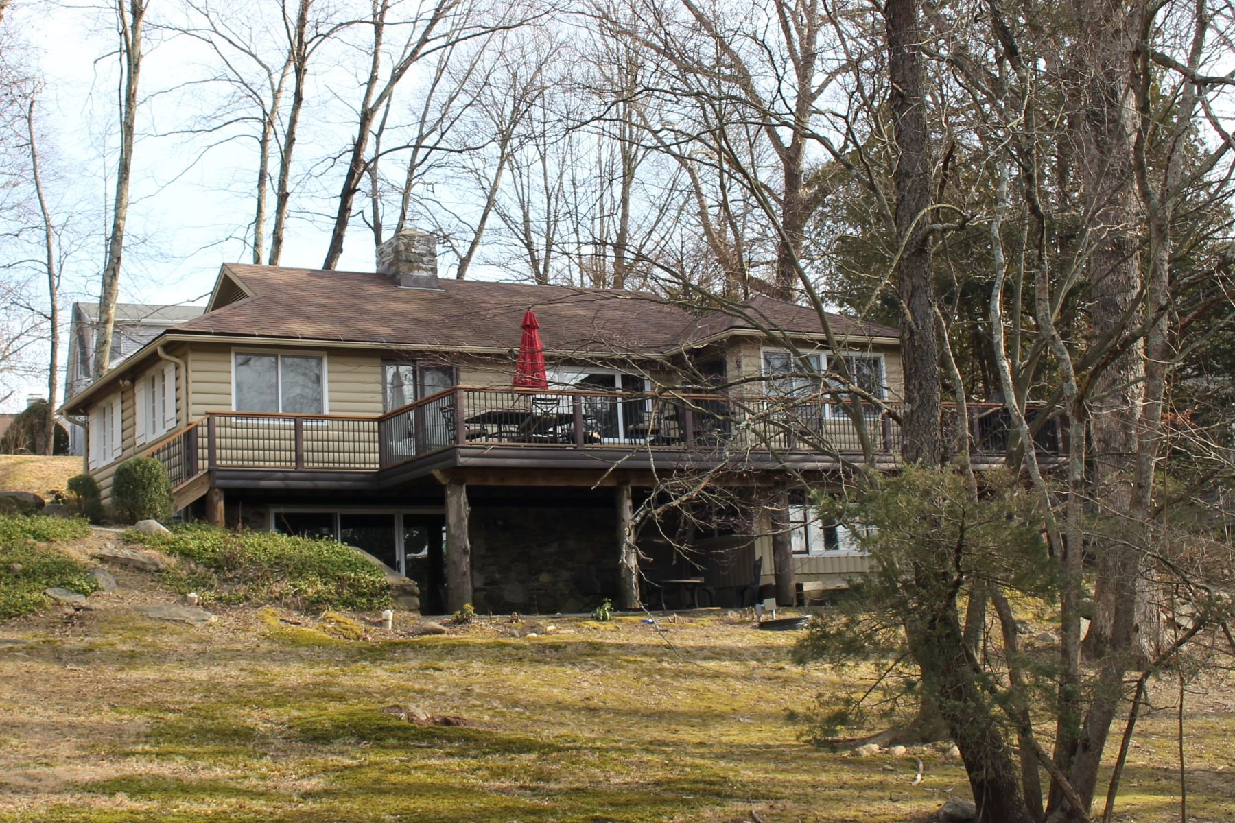 Single Family Home for Sale at Candlewood Lake Club 2 Mountain Drive New Milford, Connecticut 06776 United States