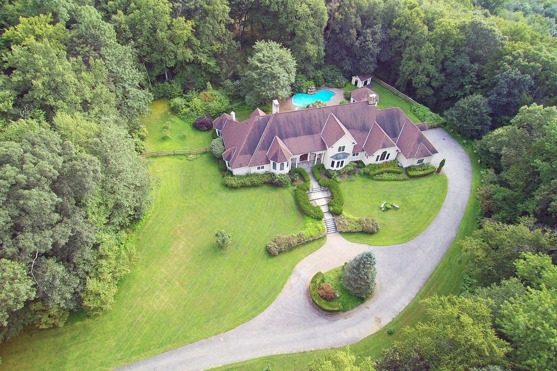 Single Family Home for Sale at Idyllic Country Manor 96 Topstone Road Redding, Connecticut 06896 United States