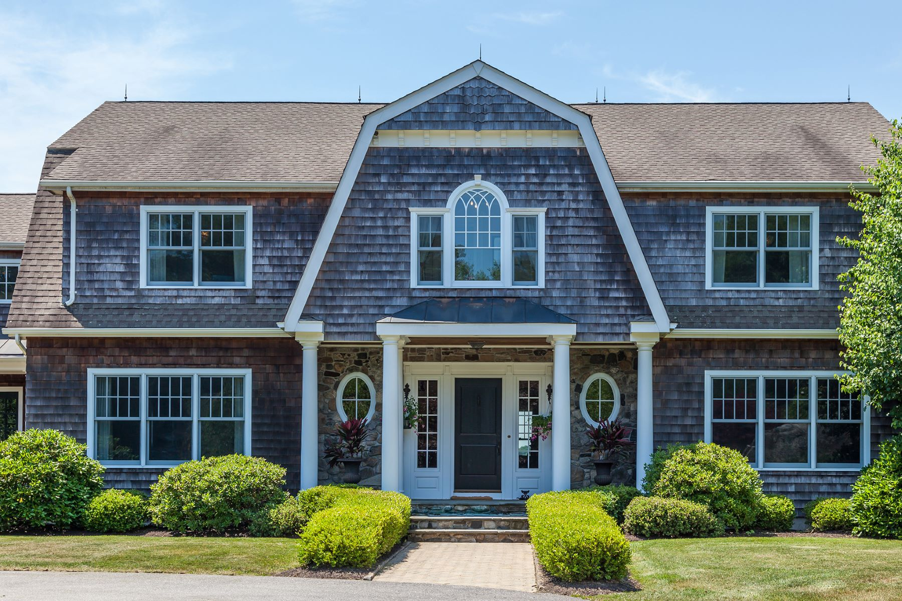 Casa Unifamiliar por un Venta en Custom Shingle-Style Home with Amazing Views 395 Maple Street Litchfield, Connecticut 06759 Estados Unidos
