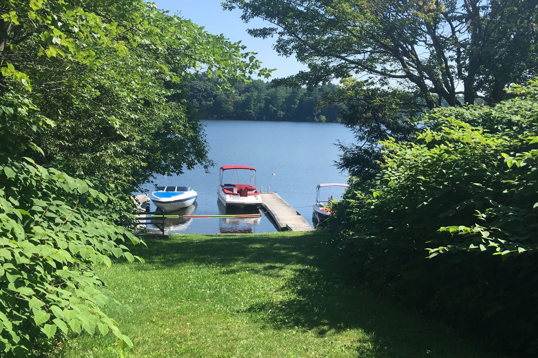 土地,用地 为 销售 在 Water Access to Otis Reservoir Lot 4 Pine Rd Otis, 马萨诸塞州 01253 美国