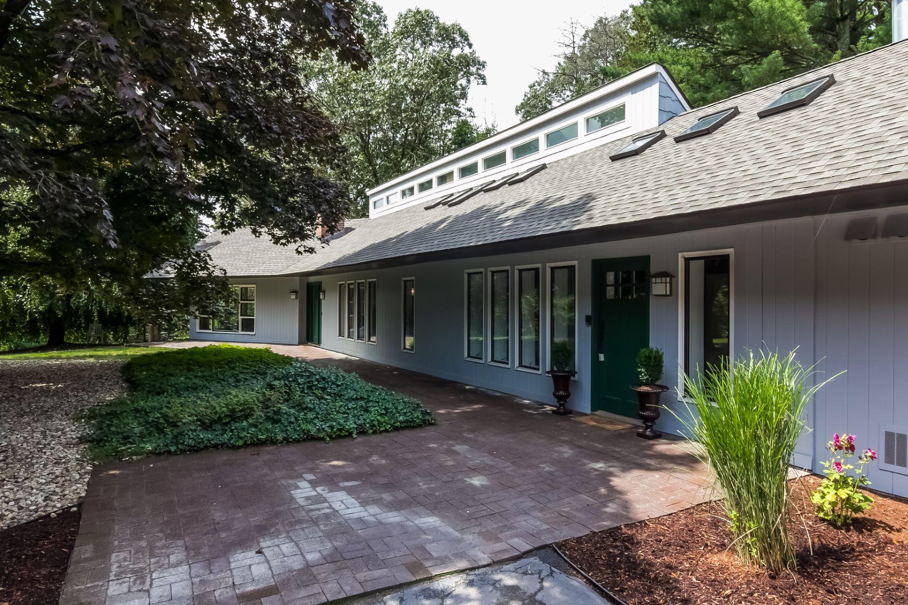 واحد منزل الأسرة للـ Rent في Stunning Mid-Century Ranch 392 Jinny Hill Road, Cheshire, Connecticut, 06410 United States