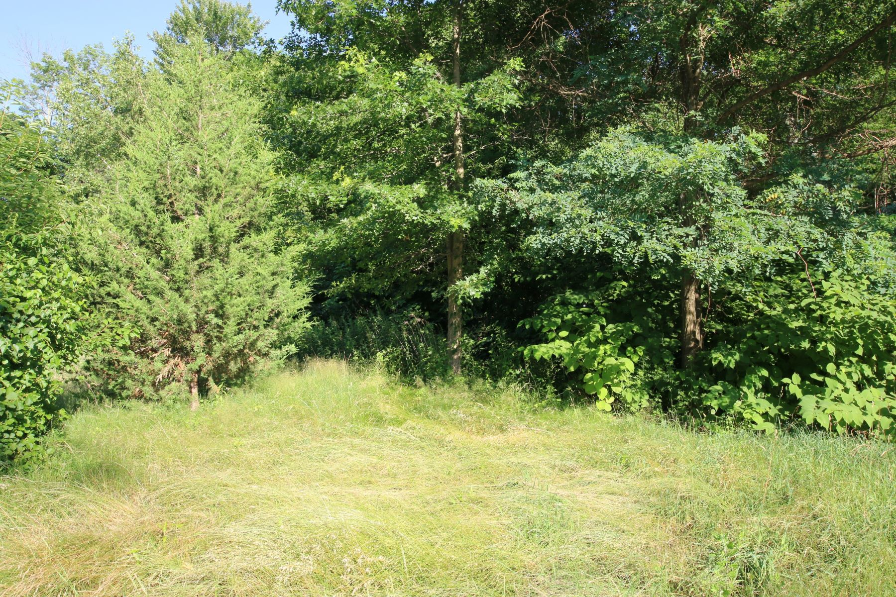 Land for Active at Beautiful Flat, Treed Acre 252 Teller Road Trumbull, Connecticut 06611 United States