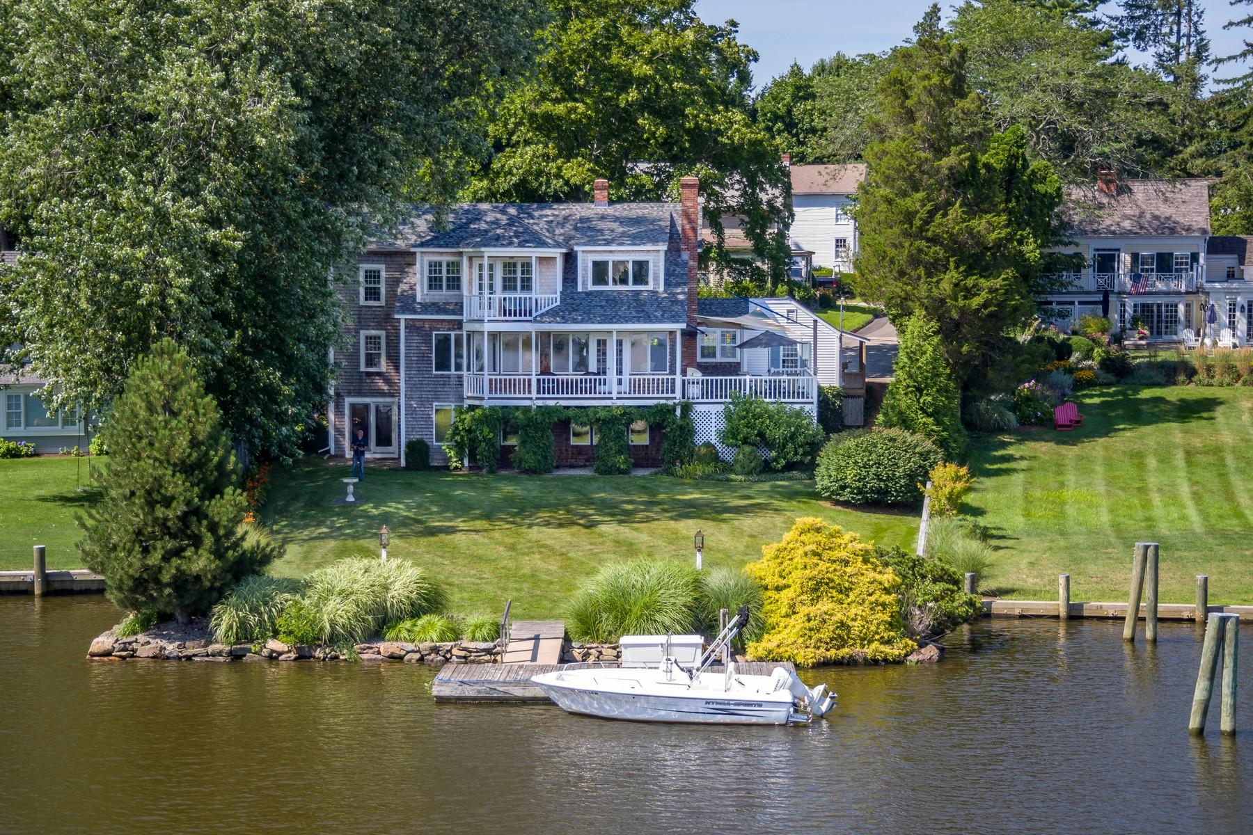 Eensgezinswoning voor Verkoop op Middle Cove Waterfront Totally Transformed 16 Bank Lane, Essex, Connecticut 06426 Verenigde Staten