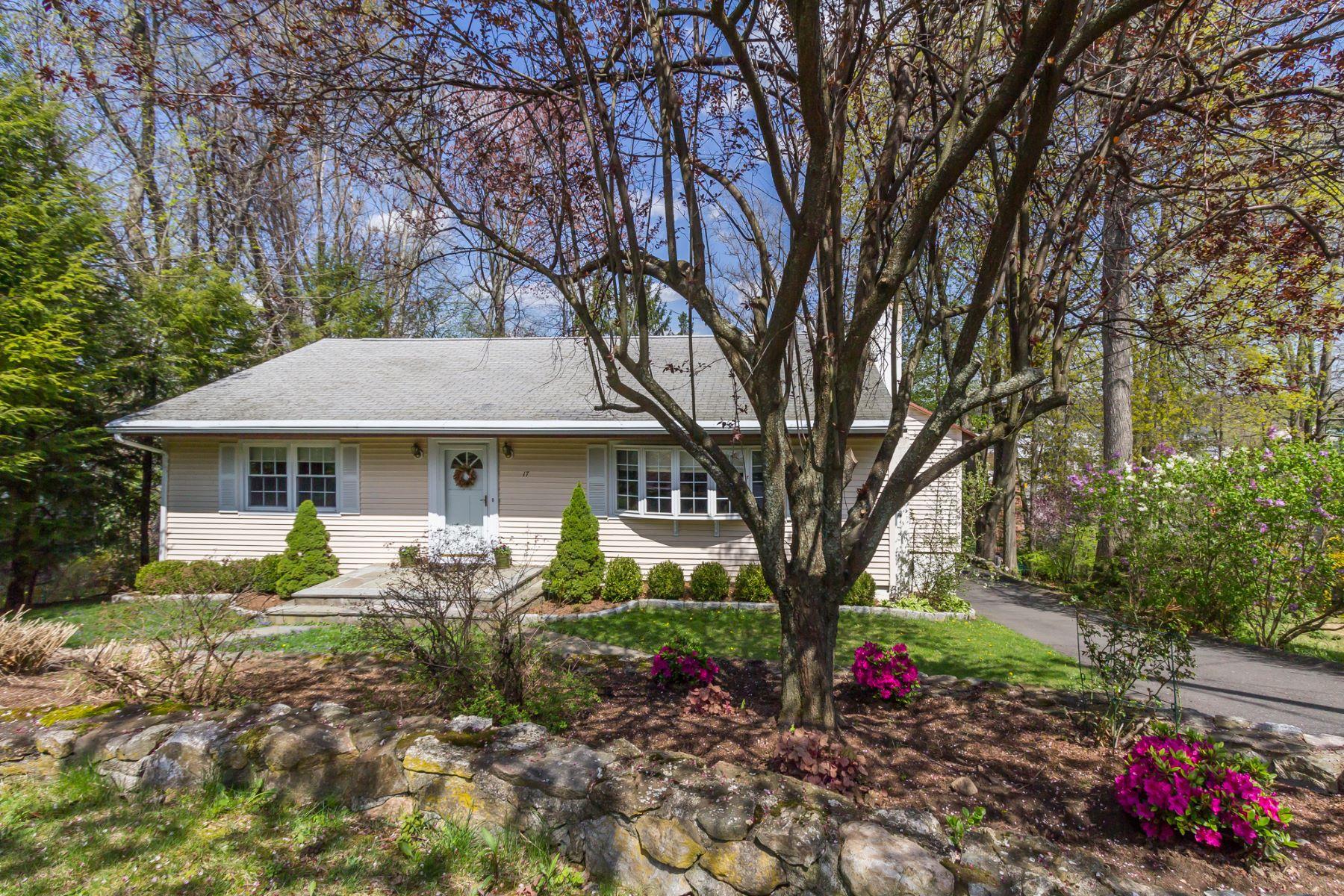 Casa para uma família para Venda às Easy Living 17 Lafayette Avenue Ridgefield, Connecticut, 06877 Estados Unidos