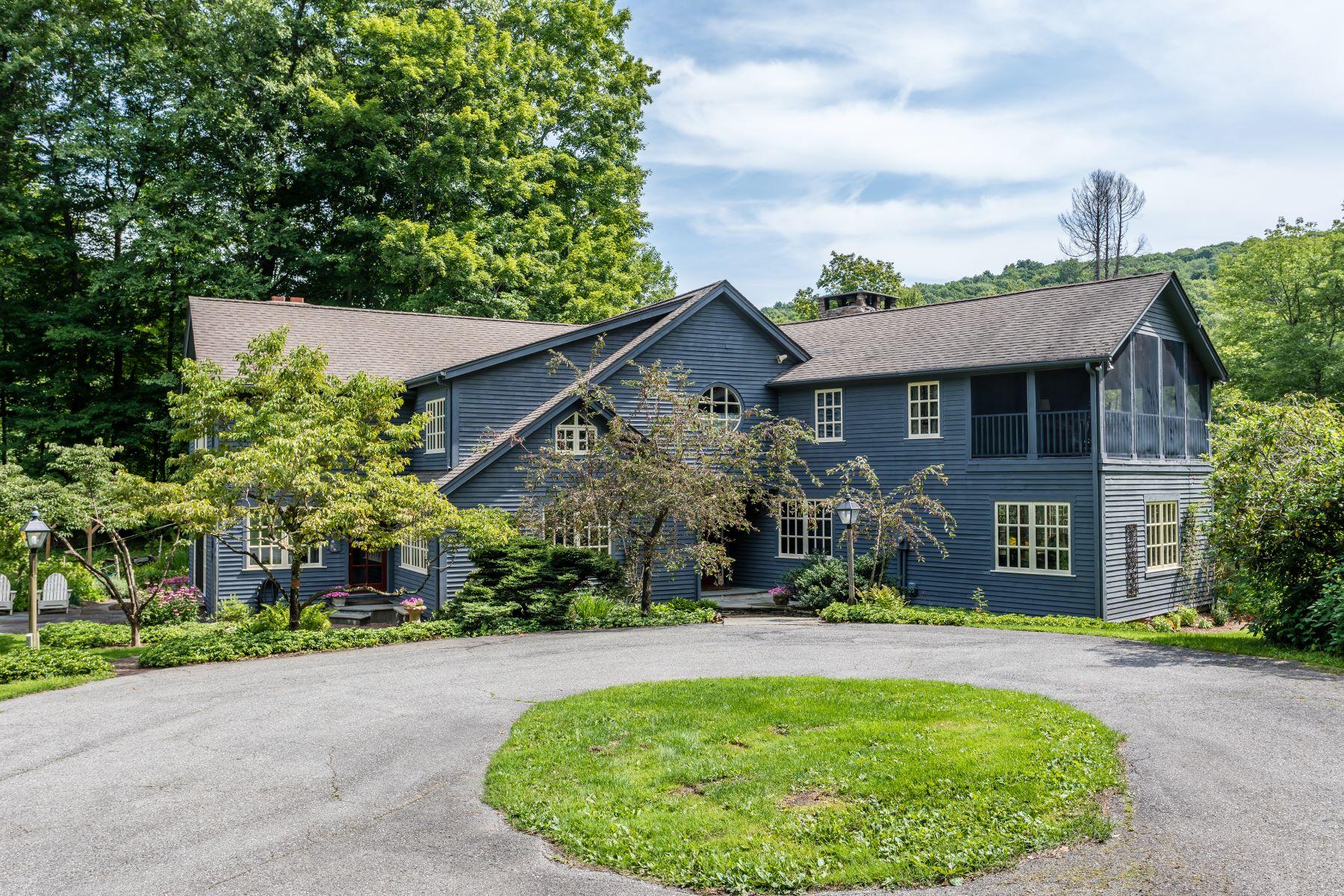 Single Family Homes 为 出租 在 Beautiful Summer Rental, 2 Acres, Pond and Pool 21 Jericho Road North 谢尔曼, 康涅狄格州 06784 美国