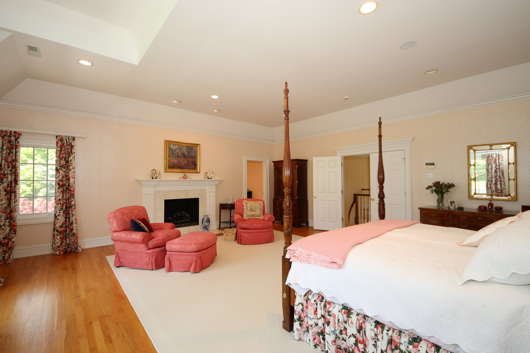 Additional photo for property listing at Exquisite Custom Home 6 Country Club Road Ridgefield, Connecticut 06877 United States