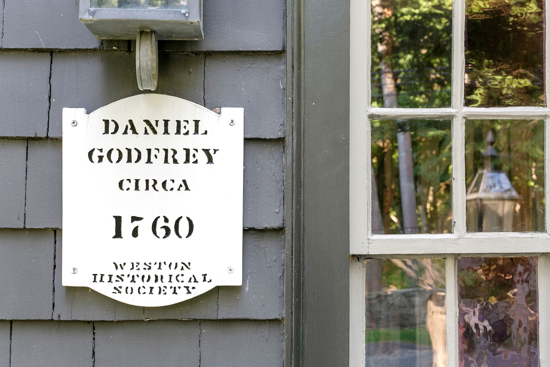 Single Family Home for Sale at The Captain Daniel Godfrey House (c. 1760) 4 Norfield Rd Weston, Connecticut 06883 United States