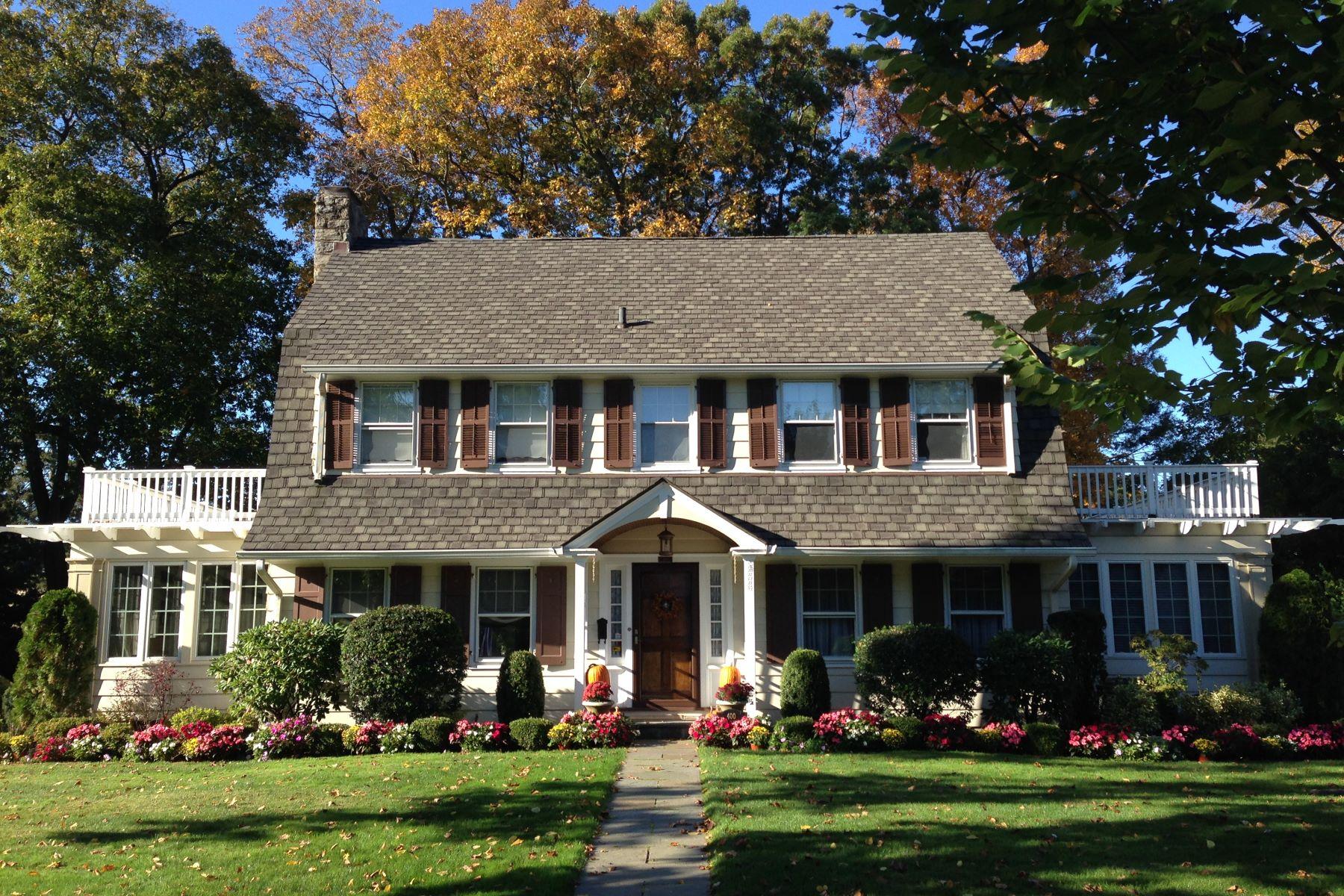 Casa Unifamiliar por un Venta en Sophisticated Center Hall Colonial 400 Carroll Avenue, Mamaroneck, Nueva York, 10543 Estados Unidos