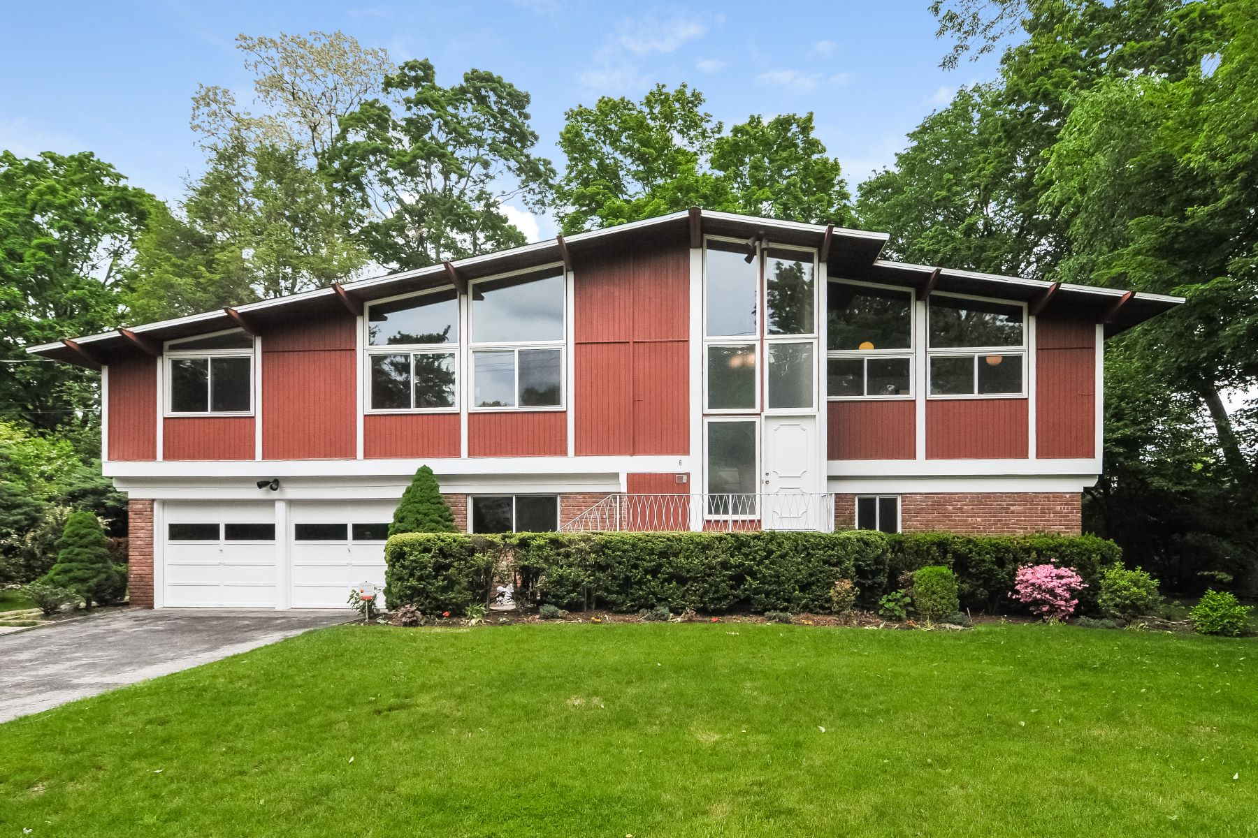 Single Family Home for Rent at 6 Roland Drive 6 Roland Drive White Plains, New York 10605 United States