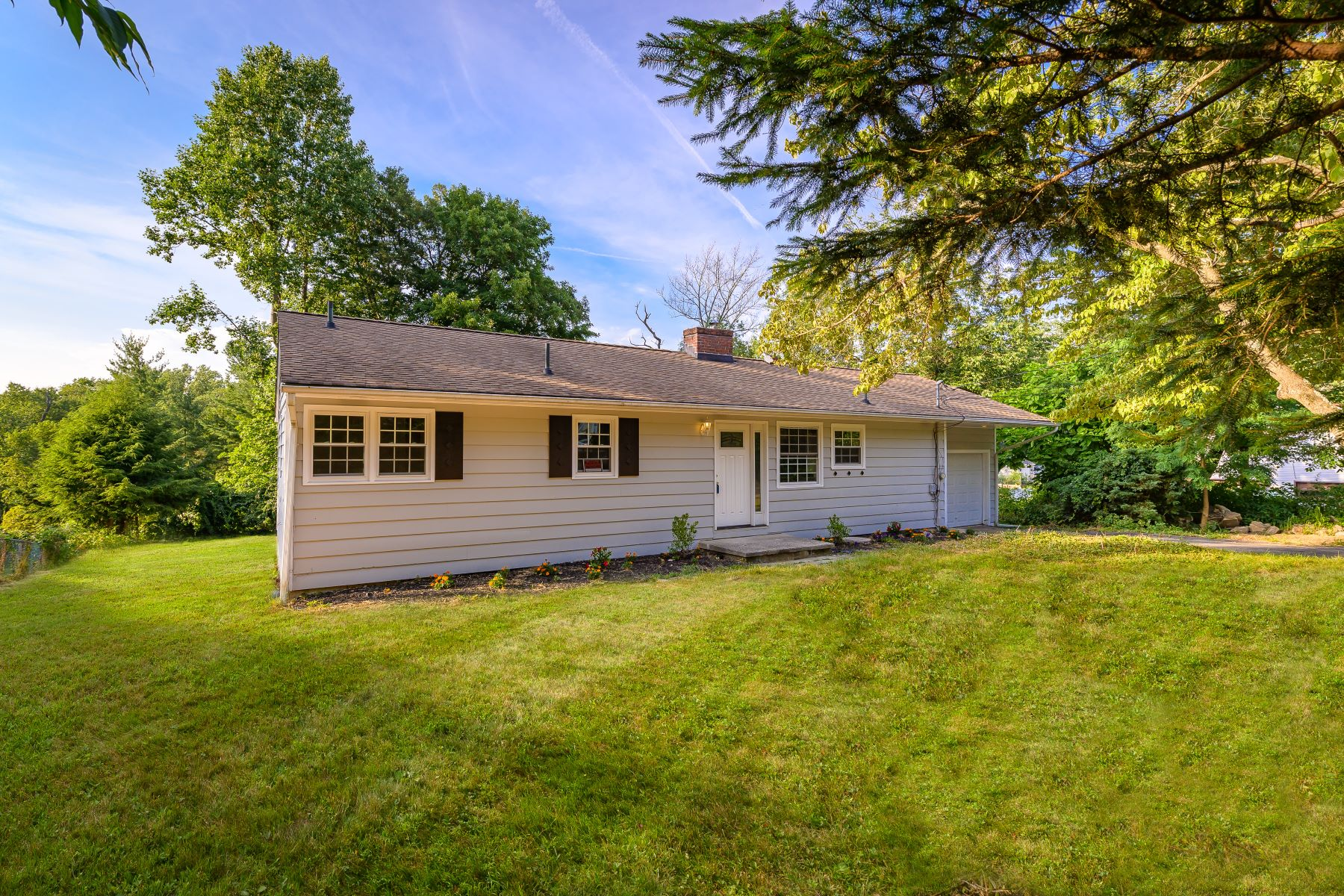 Single Family Homes for Sale at Adorable Danbury Ranch 3 Haley Street Danbury, Connecticut 06811 United States