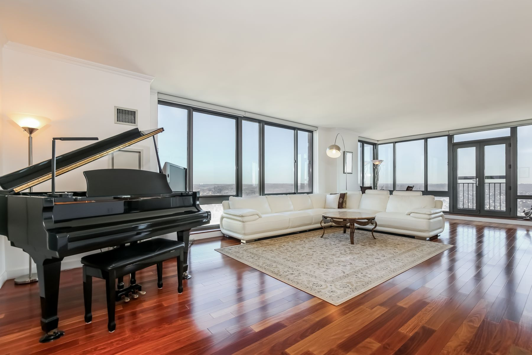 Condominium for Rent at 10 City Place 10 City Place PH3D White Plains, New York 10601 United States