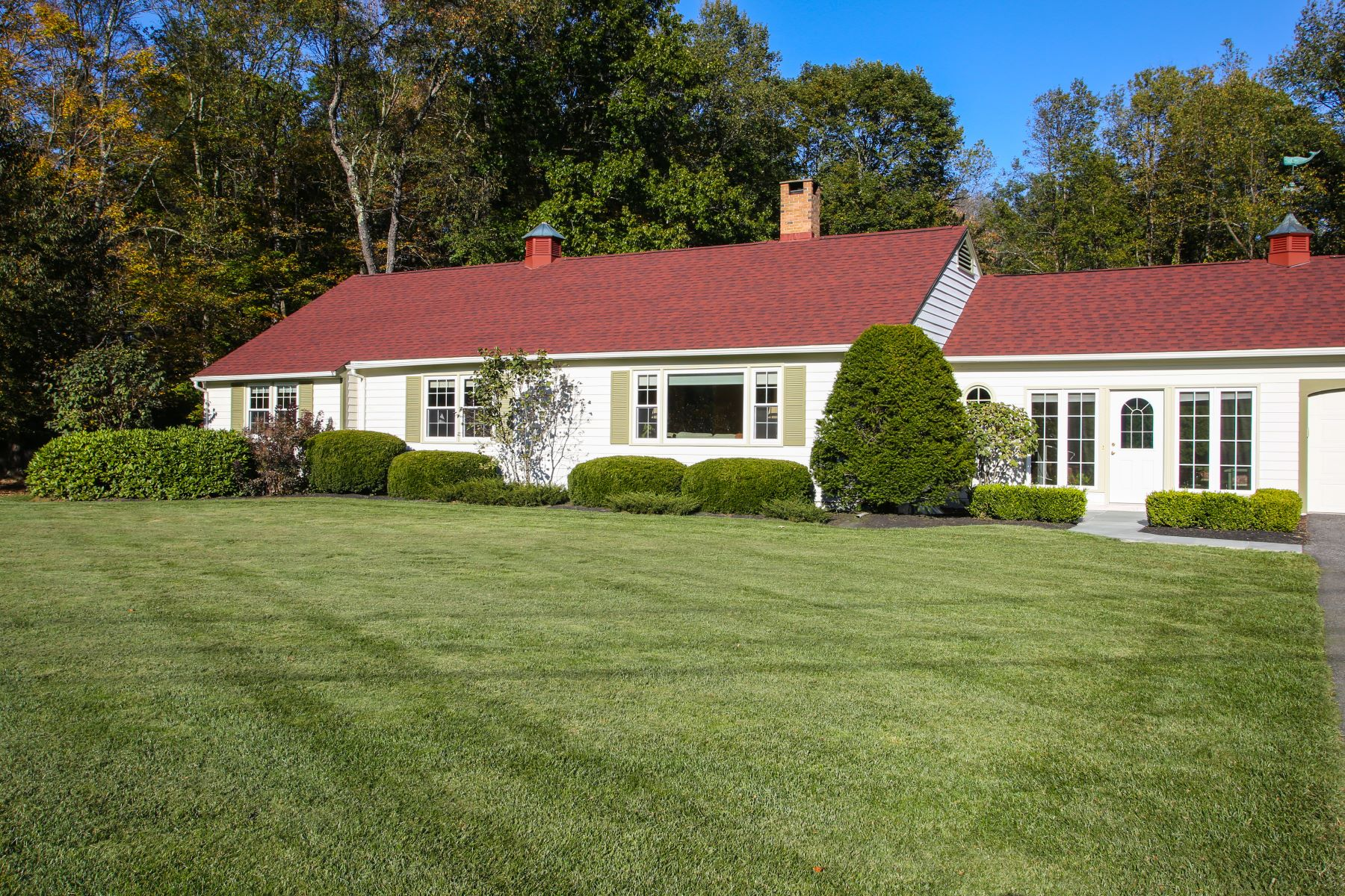 Single Family Home for Active at Get Ready to Enjoy the Summer 130 Park Ln Sheffield, Massachusetts 01257 United States