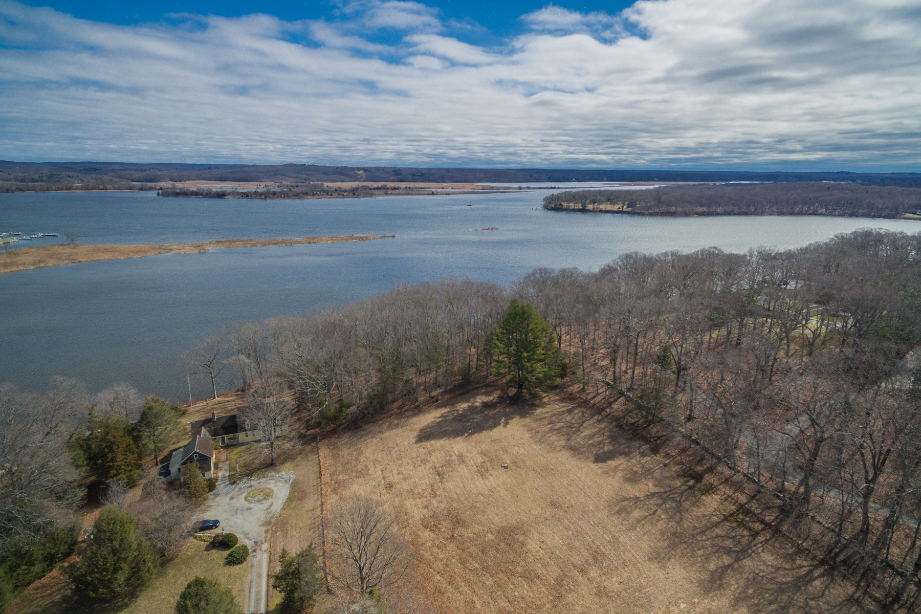 Outros residenciais para Venda às Opportunity! A Superb 4.6+ Acre Waterfront Building Lot 101b Saybrook Road, Essex, Connecticut, 06426 Estados Unidos