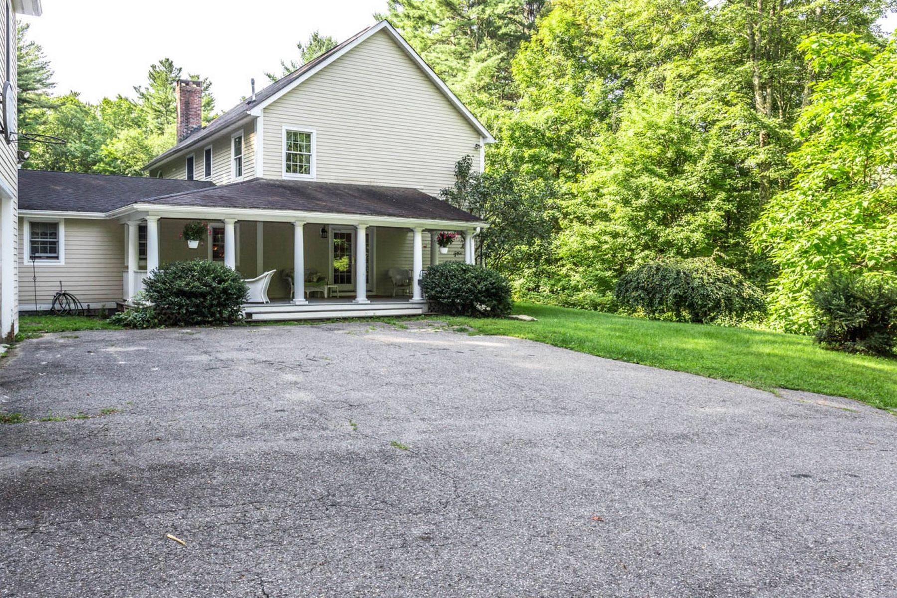 Single Family Homes for Active at Outstanding West Cornwall Colonial 78 Grange Hall Road Cornwall, Connecticut 06796 United States