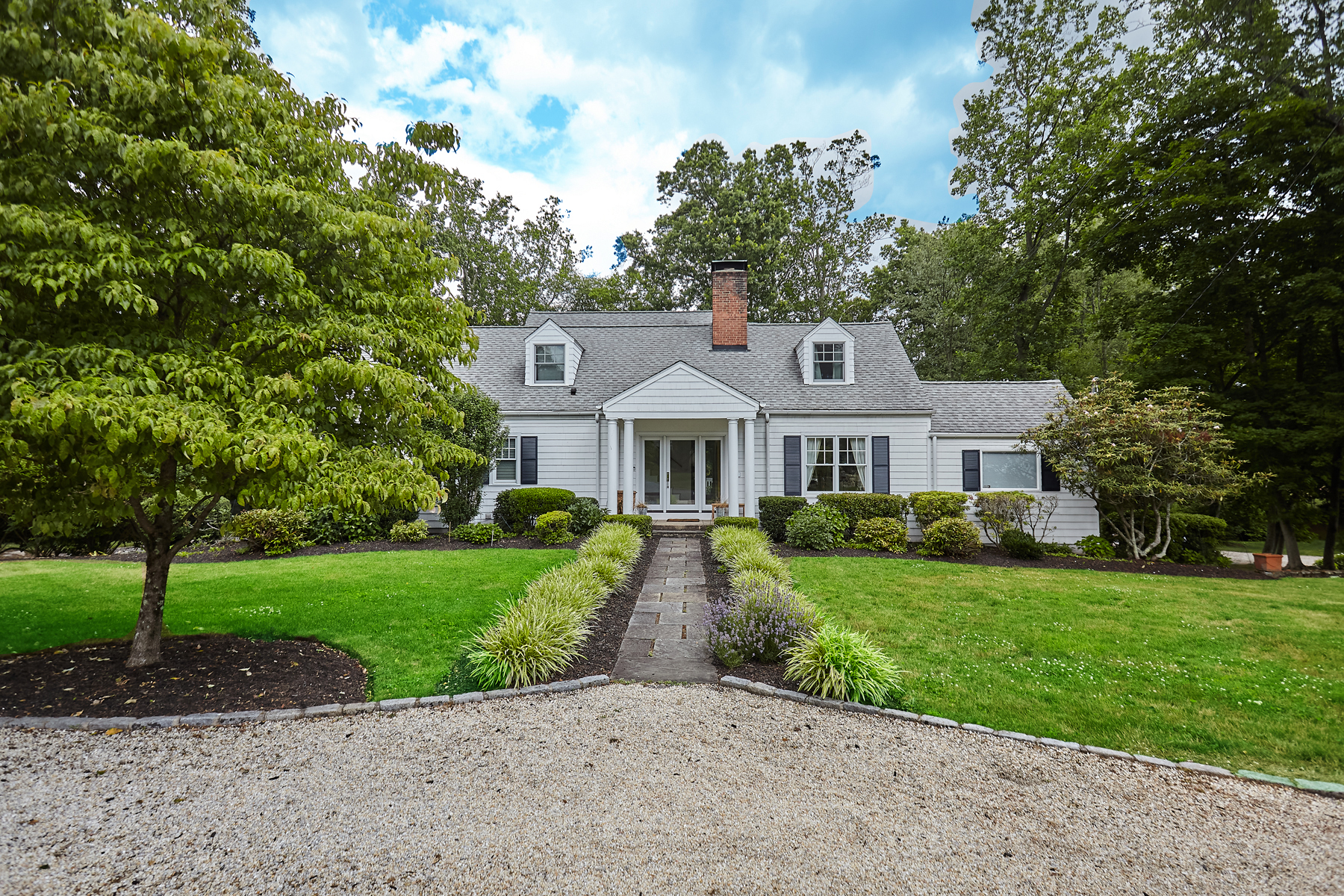 Single Family Homes للـ Sale في Charming Colonial-Cape at Hunt Club 12 Burr Farms Road, Westport, Connecticut 06880 United States