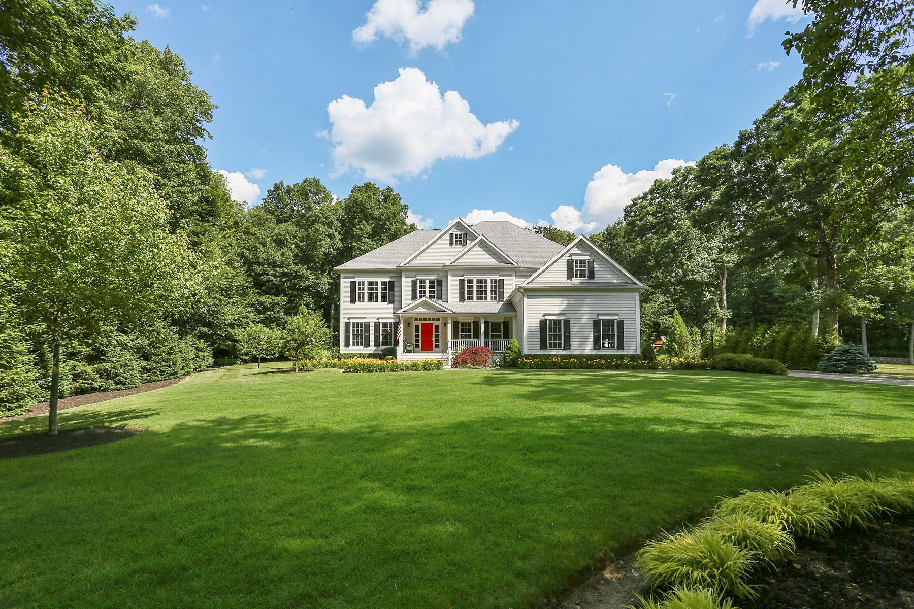 Single Family Homes للـ Sale في Exquisite Wilton Colonial 64 Forest Lane, Wilton, Connecticut 06897 United States