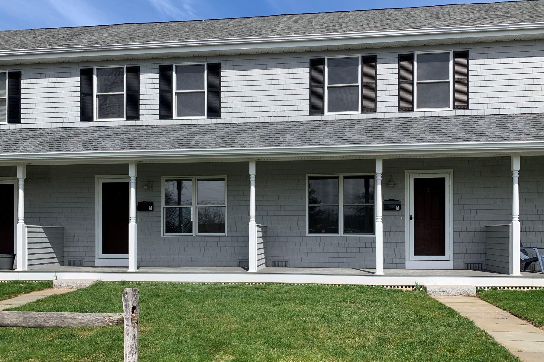 Single Family Homes 为 出租 在 373 Old Whitfield Street C 吉尔福德, 康涅狄格州 06437 美国