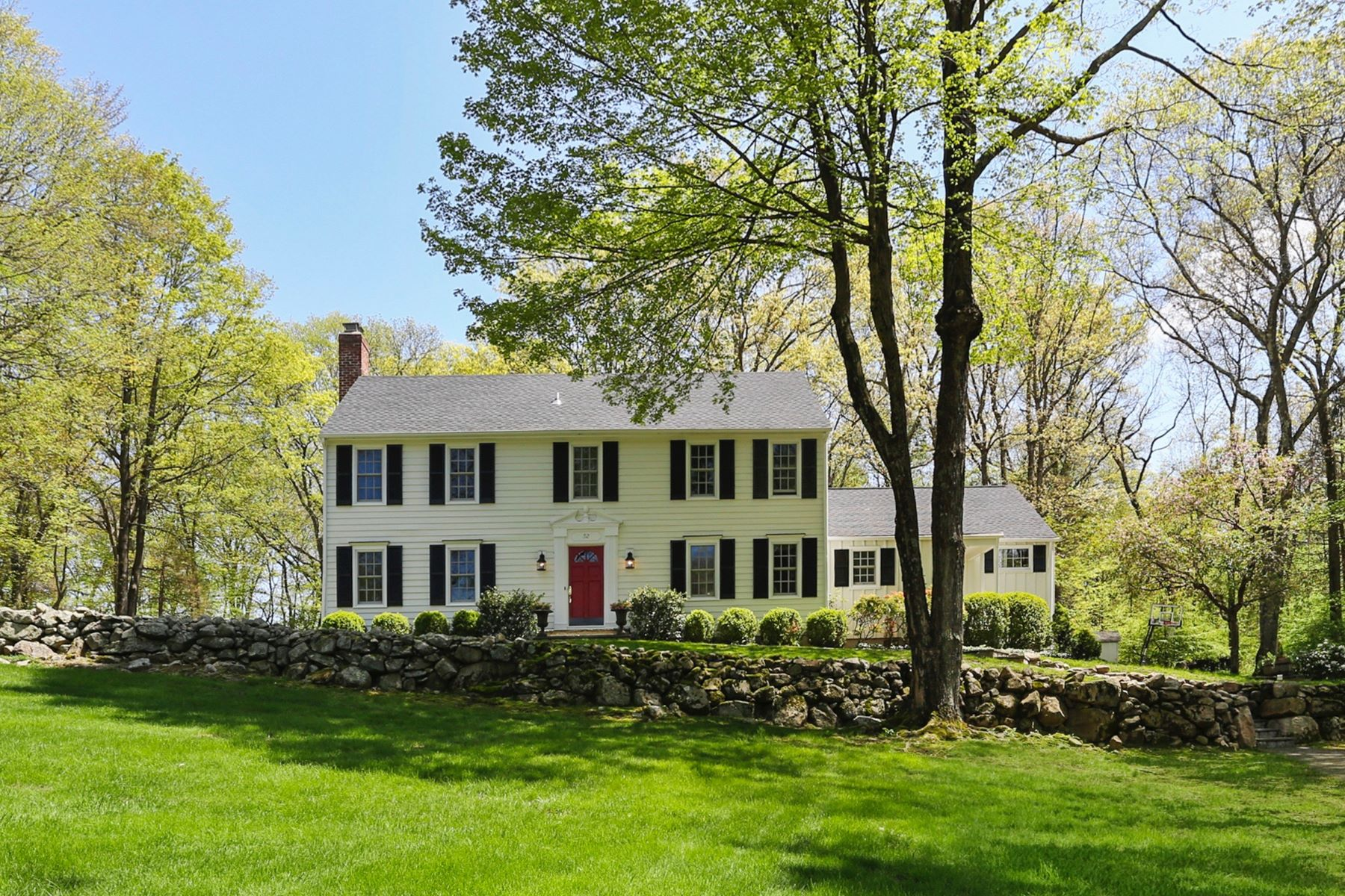 Single Family Homes for Sale at 52 Edgewater Drive Wilton, Connecticut 06897 United States