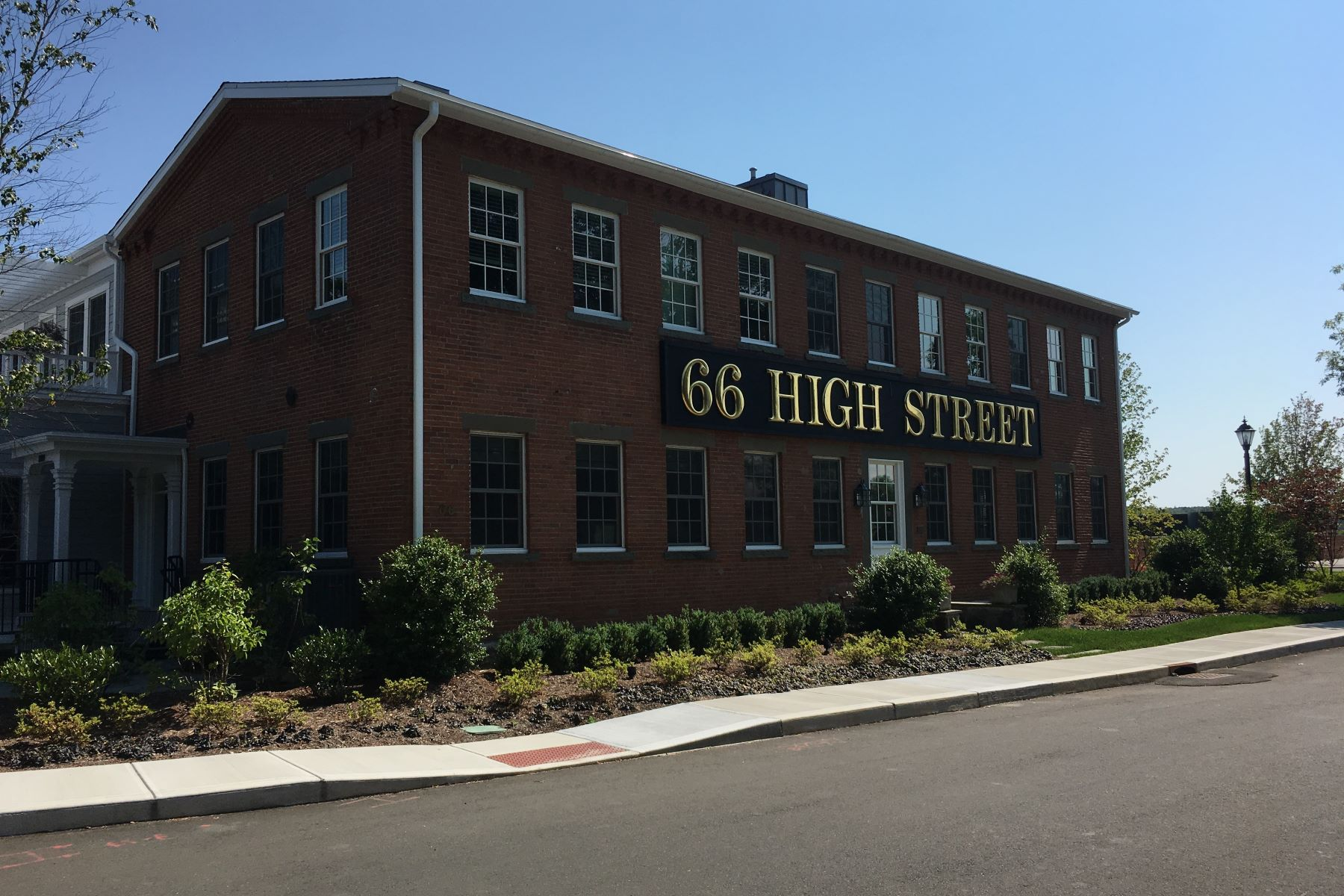 Condominium for Rent at 66 High Street 66 High Street 15 Guilford, Connecticut, 06437 United States