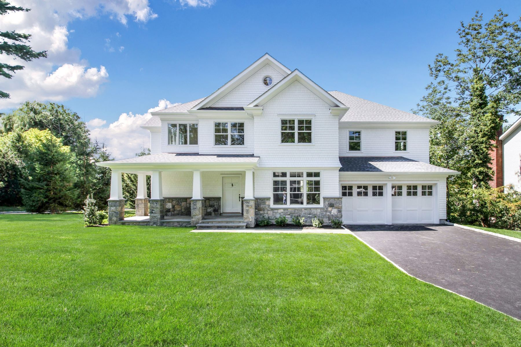 Single Family Homes por un Venta en Stunning New Construction in Exclusive Grange Estate Area of Scarsdale 26 Fairview Road Scarsdale, Nueva York 10583 Estados Unidos