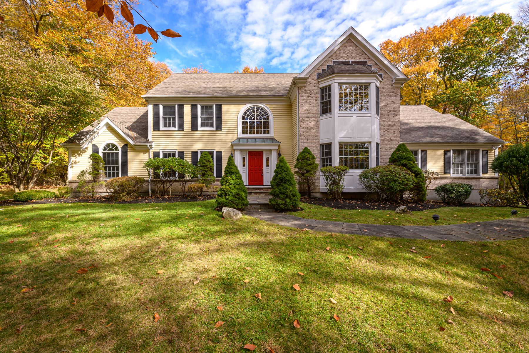 Single Family Homes for Sale at South Ridgefield Colonial 38 South Ridge Court Ridgefield, Connecticut 06877 United States