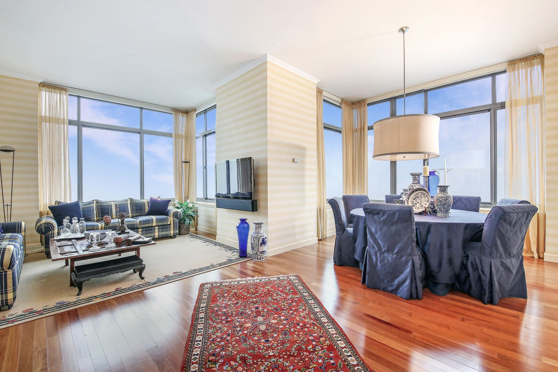 Apartments for Sale at 10 City Place 29A White Plains, New York 10601 United States