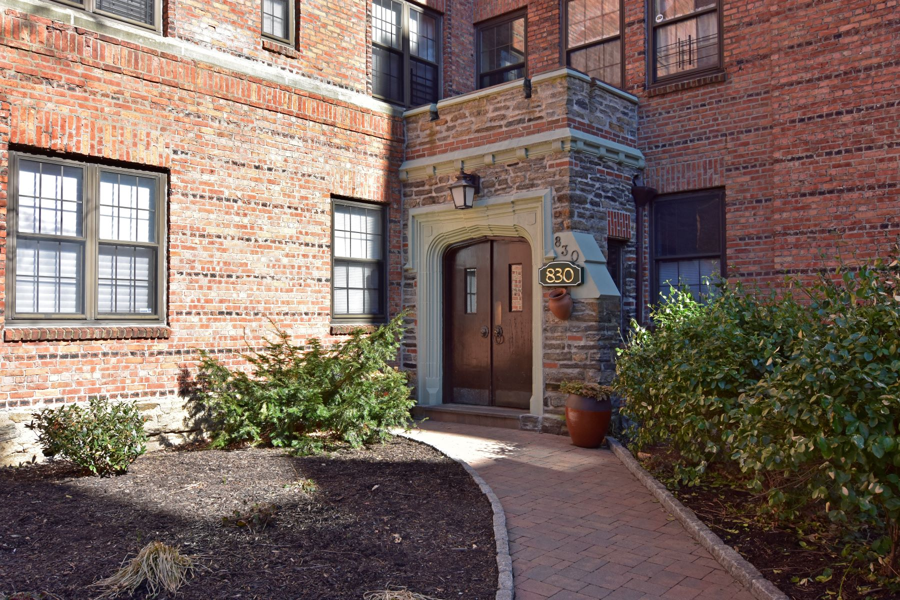 Co-op for Sale at Cozy One-Bedroom 830 Bronx River Road 7C Bronxville, New York 10708 United States