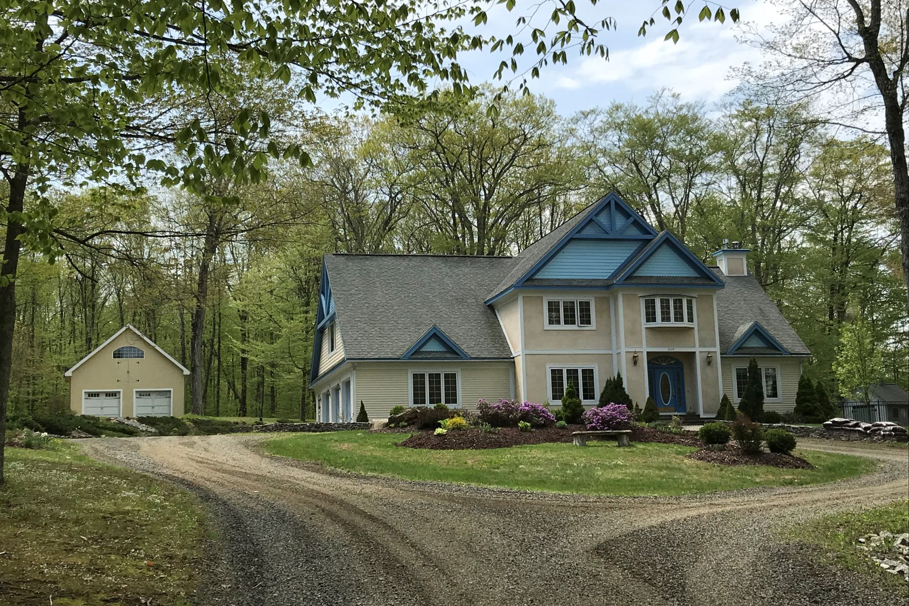 Single Family Homes for Sale at Beautiful Countryside Colonial 259 Hickory Lane Bethlehem, Connecticut 06751 United States