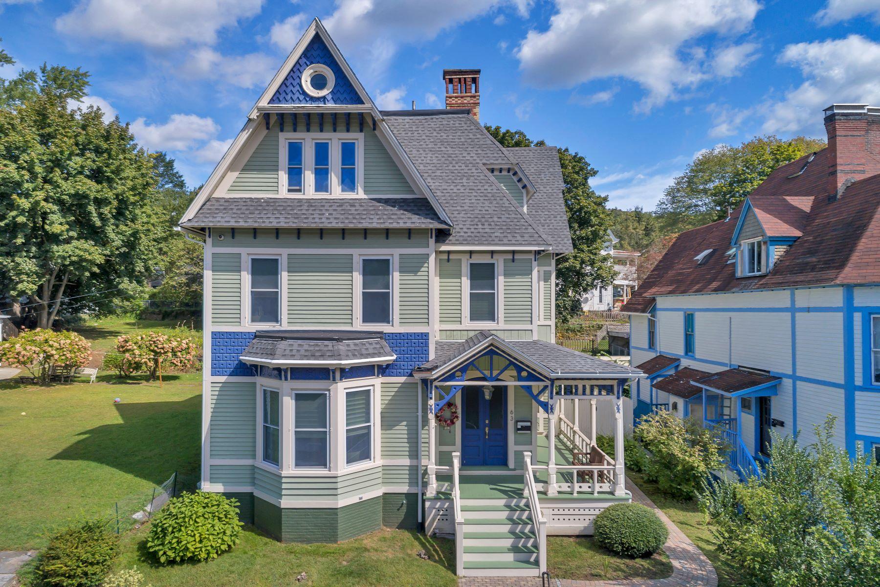 Single Family Homes 为 销售 在 Exceptional & Pristine Victorian 63 Mckinley Ave 诺维奇, 康涅狄格州 06360 美国