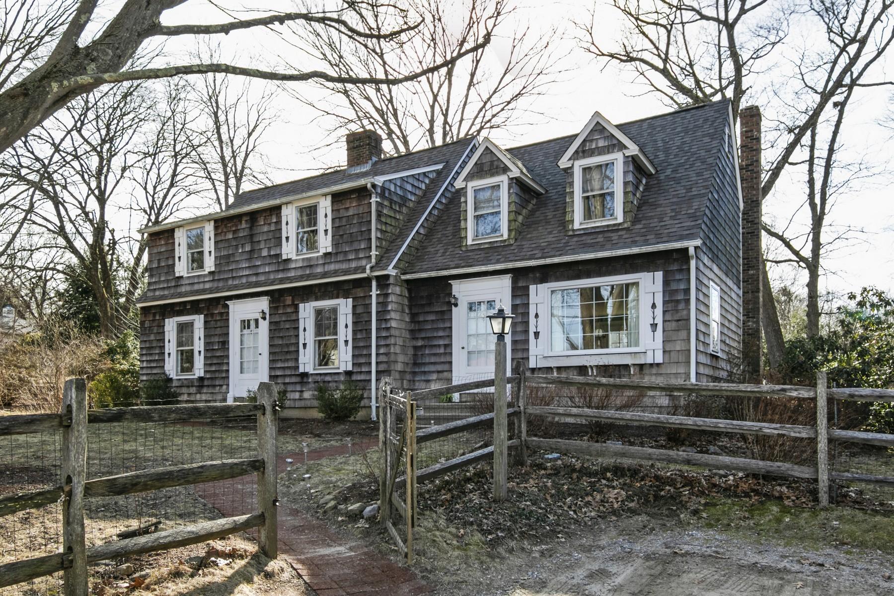 Eensgezinswoning voor Verkoop op Charming Cape Cod Style Home 62 Hemlock Dr, Deep River, Connecticut 06417 Verenigde Staten