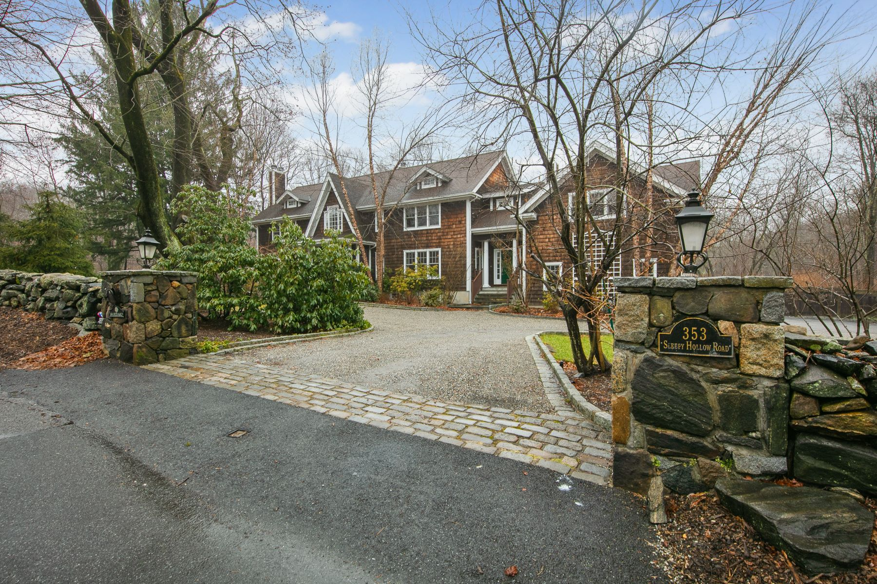 Single Family Homes 為 出售 在 Welcome To 353 Sleepy Hollow Road Briarcliff Manor, 纽约 10510 美國