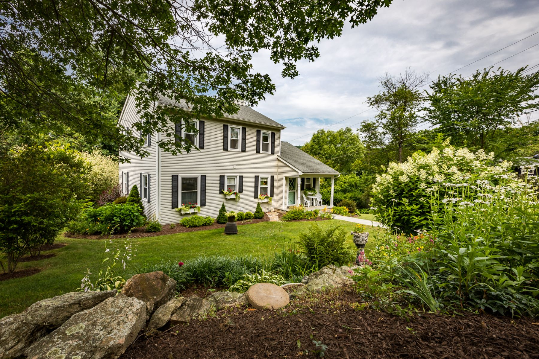 Single Family Homes for Sale at EXQUISITE CANDLEWOOD LAKE COLONIAL 12 Overlook Drive Danbury, Connecticut 06811 United States